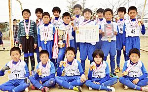 アストロンFCが7連覇 民友杯平方部少年新人サッカー