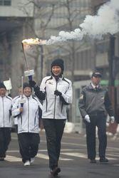 成功祈り聖火駆ける、浅田さんらリレー 冬季アジア札幌大会