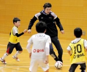 サッカー 元J1神戸の相馬さん プロ養成教室開講