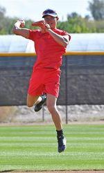 日本ハム 西川「ライバルは拳士」 二塁の守備練習