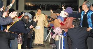 大相撲 稀勢の里関に県民栄誉賞 「茨城の誇り」