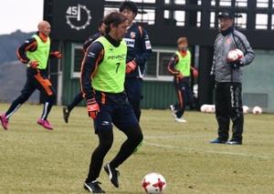 J3長野、チーム融合進む 新戦力交え、実戦練習