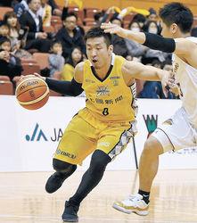 バスケB3・金沢、首位返り咲き 17連勝、輪島沸く
