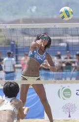 ビーチバレー出口、五輪強化選手に 福知山成美高3年