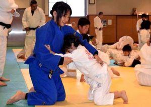 パラ五輪柔道女子・広瀬、銅の技児童に伝授