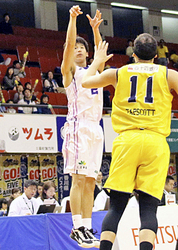 福島連敗ストップ、香川に競り勝つ バスケBリーグ2部