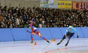 冬季アジア大会、競技本格化 帯広でスピードスケート開幕