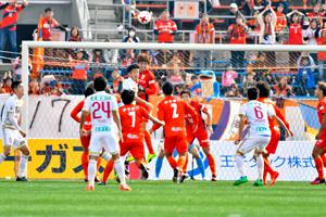 サッカーJ2開幕 愛媛FC、白星発進