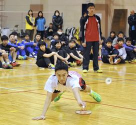 桃田賢斗選手「バドの楽しさ伝えたい」 郡山で処分後初の指導