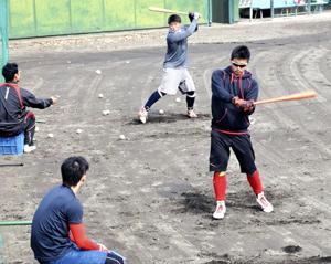 打撃やボール感覚確認 福島ホープスが「合同自主トレ」開始