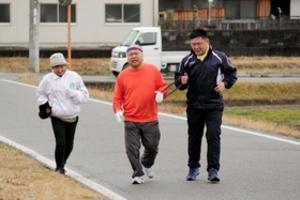 陸上 全盲の元中学教諭「万博マラソン」へ挑戦 12日