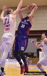 バスケB2青森、連敗ストップ 広島の猛追振り切る