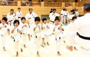 空手の新殿堂に「聖地」沸く 沖縄の会館を一般公開