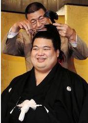 元十両飛翔富士が断髪式「第二の人生へ勝負」