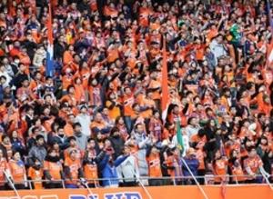 J1新潟  ホーム開幕戦、3万人が選手を鼓舞