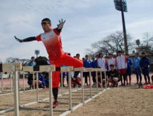 速く走るこつ、五輪選手が伝授 北京銅の塚原直貴さん