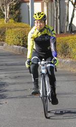 自転車 那須ブラーゼンがロードバイクを矢板市長に貸与