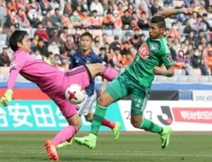 J1新潟、ホニの同点弾で引き分け アウェーで横浜M戦