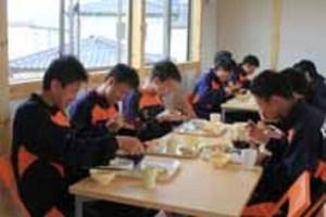 J2山口 U-18選手の食堂完成