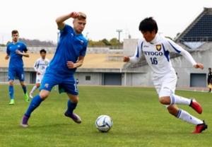 兵庫県選抜、攻撃的布陣機能せず サッカーガバナー杯