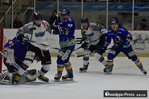 フリーブレイズ2連敗 アイスホッケーPO準決勝