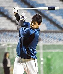 打者大谷、先輩雄星と対決「普通とは違う」 プロ野球開幕