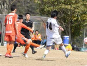 サッカー三重県選手権 決勝はヴィアティン、鈴鹿FC
