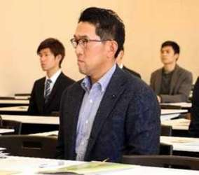 カープ 野村前監督「幅広く勉強」 広島大大学院に入学