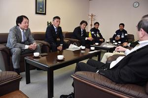 JFL 16日ホーム開幕戦 青森の選手ら東奥日報社を訪問