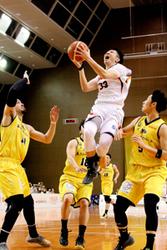 バスケBリーグ 愛媛、競り負け 香川に79-87