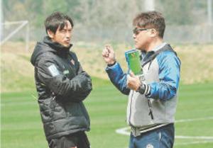 J1仙台 日本代表の手倉森コーチ 突然の訪問