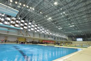 水泳 金沢プール、待望のオープン 五輪代表が泳ぎ初め