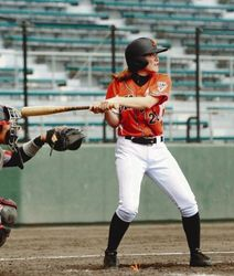 野球女子 沖縄の大学野球に新風 2選手が出場