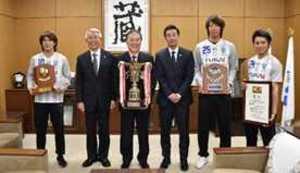 栃木ウーヴァFC、サッカー天皇杯出場を市長に報告