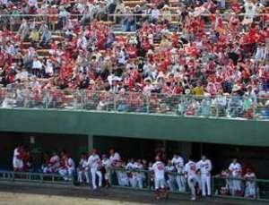 広島カープ、呉に熱気 ウエスタン・リーグに4858人声援