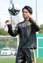 サッカー U-15日本代表に渡辺綾(前橋育英高)