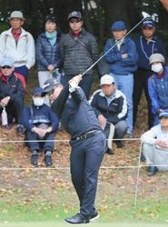 ゴルフ 中日クラウンズが開幕 74歳の青木功もプレー