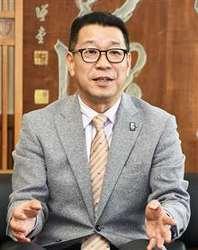 バスケBリーグ 大河チェアマンが秋田魁新報社訪問