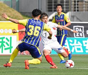 J2岐阜、3連勝で8位浮上 群馬に2-0で快勝