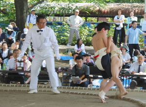 川崎区内で稽古の力士らも登場 6日、川崎市こども相撲大会