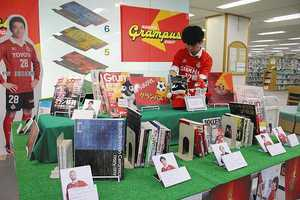 J2名古屋関連書籍見て 豊田市中央図書館で企画展