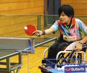 富士宮出身・土井さん 車いす卓球に奮闘