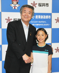 バドミントン 将来はオリンピックに 成田さん(朝倉小6年)