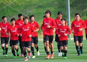 サッカー U-20W杯代表、静岡合宿 磐田の小川航ら調整