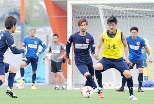 J1大宮、14日仙台戦 守備陣はクロス対応の練習
