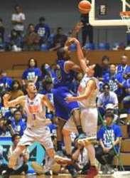 バスケB2島根先勝、広島に60―55 B1昇格に王手