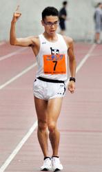 男子1万m競歩、山西が3連覇 関西学生対校陸上