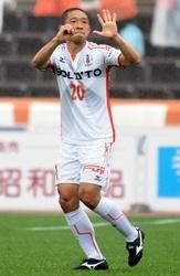 J2愛媛、小島2発 敵地初勝利 群馬に3―0
