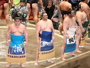 朝乃山、初日敗れる 大相撲夏場所