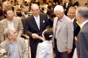 平松氏、野球「殿堂入り」祝福に笑顔 恩師や旧友らが激励